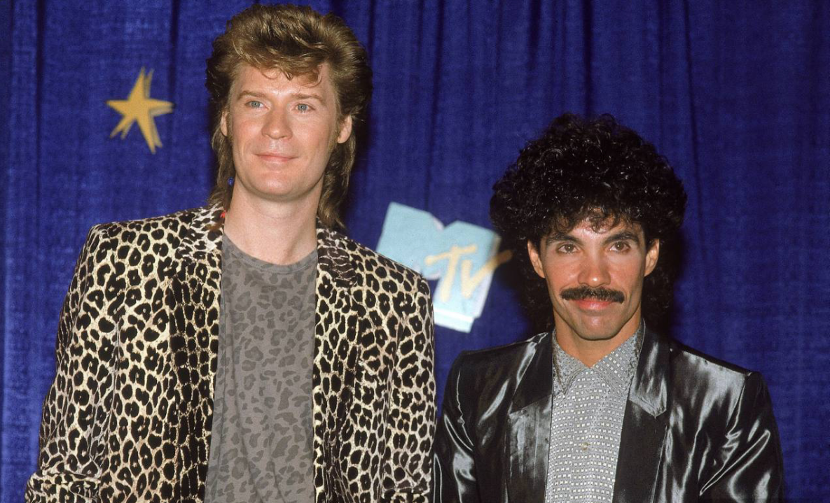 https://ludditestereo.files.wordpress.com/2012/04/hall-and-oates.png